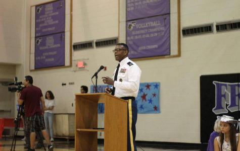 <B>PHOTO BY JAZMINE PRIETO</B><br> Ret. Col. Leonard Wells addresses a quiet audience on September 11. Wells is an EPISD JROTC facilitator.
