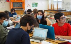 Students work on science class assignments on Wednesday, August 18, 2021, EPISD imposed a mask mandate on August 19 following citywide mandate and TEA guidance.